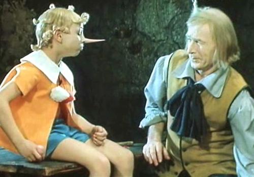 Буратино и папа Карло (кадр из фильма)